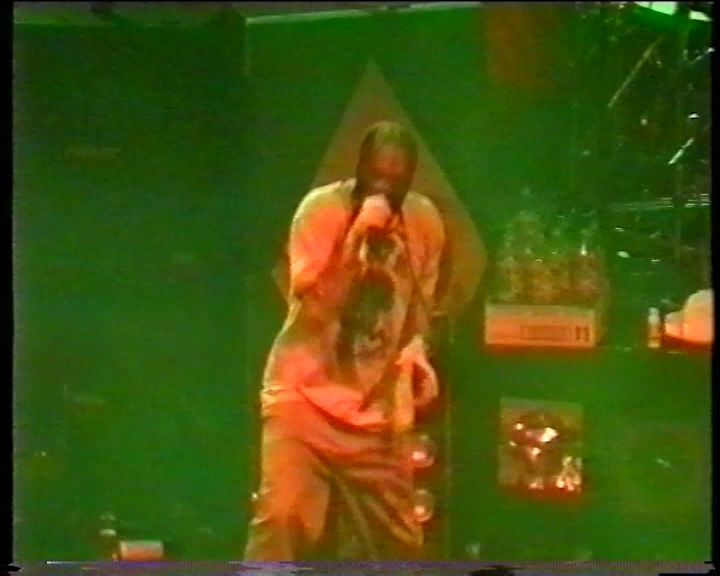 Limp Bizkit 1998-05-19 Astoria Theatre, London, England (with Soulfly)