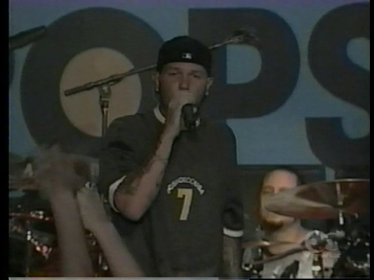 Limp Bizkit 2000-06-30 Top of the Pops, London, England (Source 1)