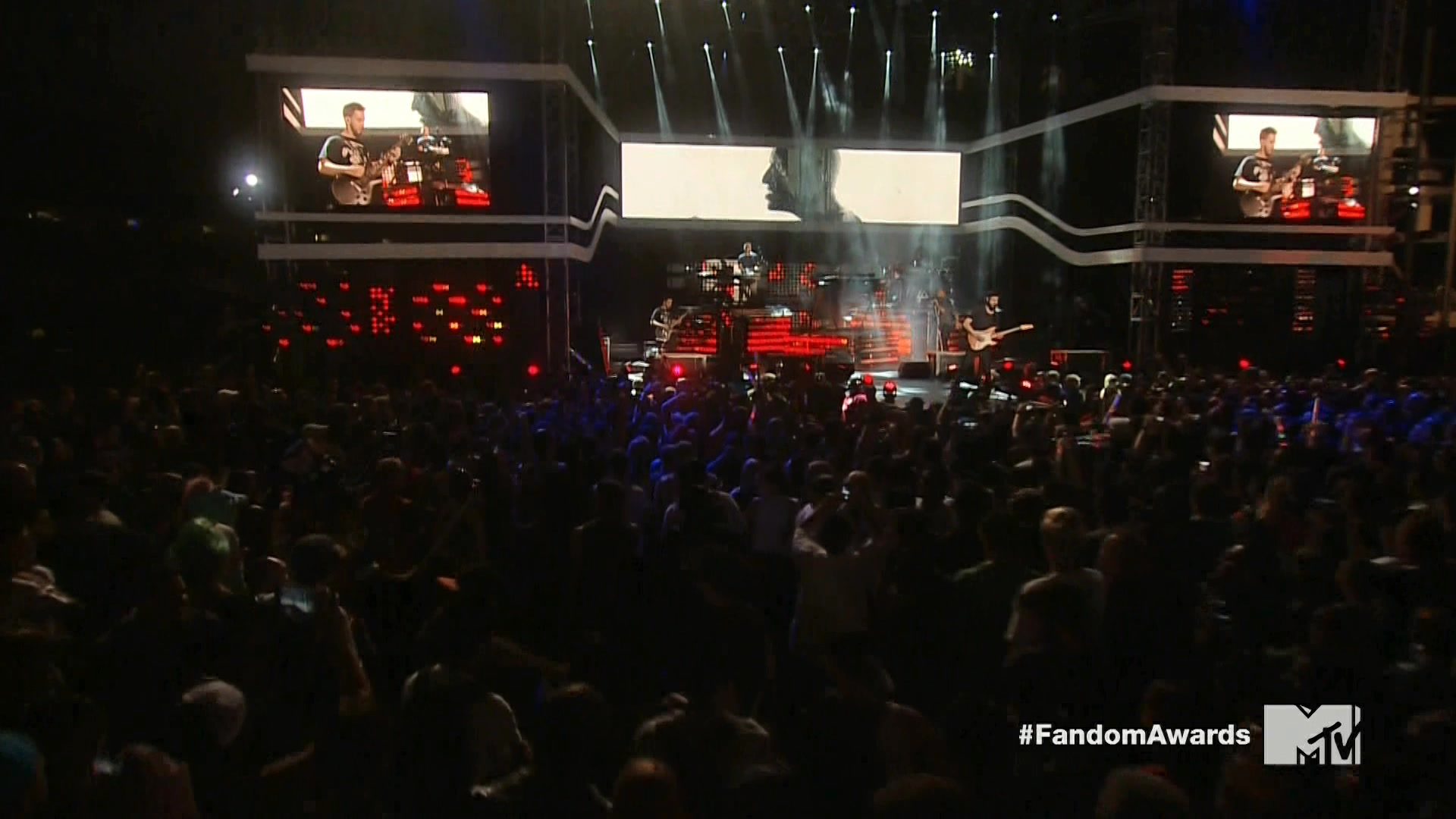 Linkin Park 2014-07-24 mtvU Fandom Awards @ Comic-Con, Petco Park, San Diego, CA, USA (HD 1080)